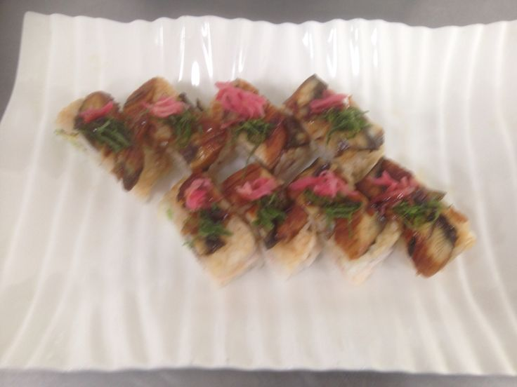 Hako sushi topped with eels
