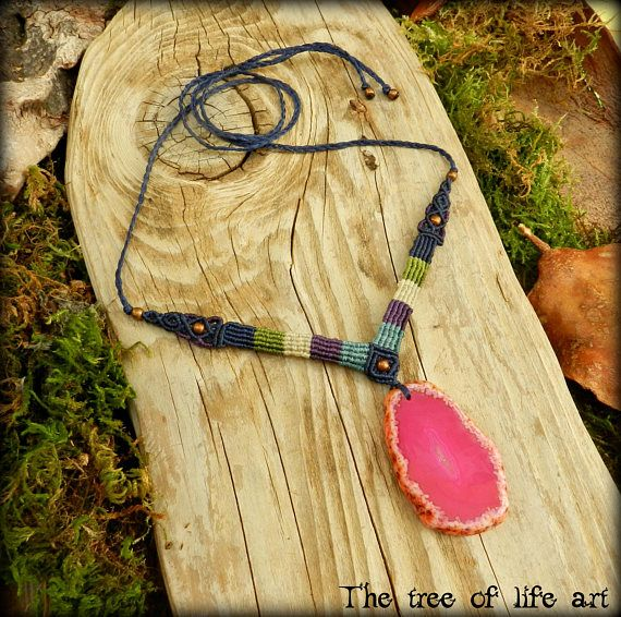 Macrame necklace with druzy Agate stone and copper metal