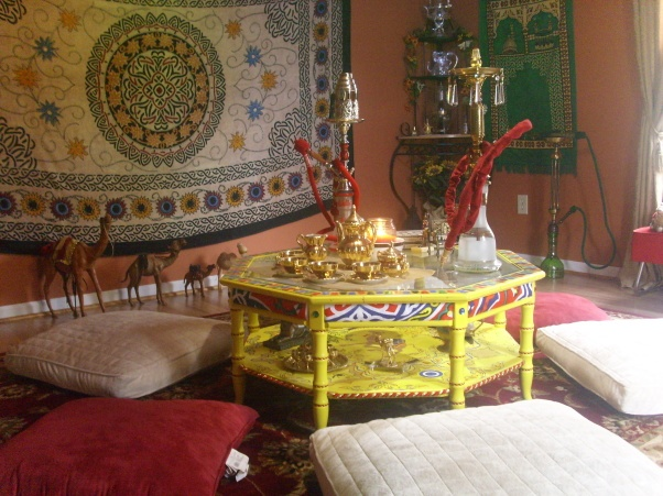 139 best images about hookah around the world on pinterest moroccan decor young women and smoking - Shisha bar dekoration ...