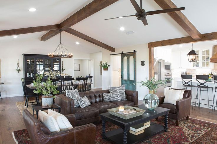Photos HGTVs Fixer Upper With Chip And Joanna Gaines