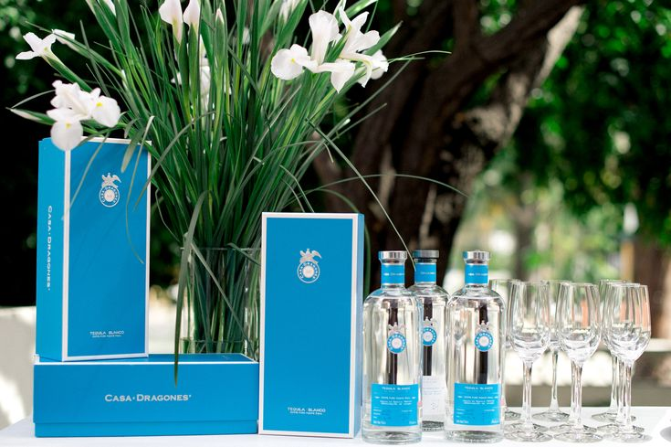 Casa Dragones Blanco is a small batch, 100% Pure Blue Agave silver tequila, crafted to deliver the true essence of agave through an innovative process that focuses on purity, for a crisp, smooth taste that is perfect to enjoy on the rocks or in signature craft cocktails.