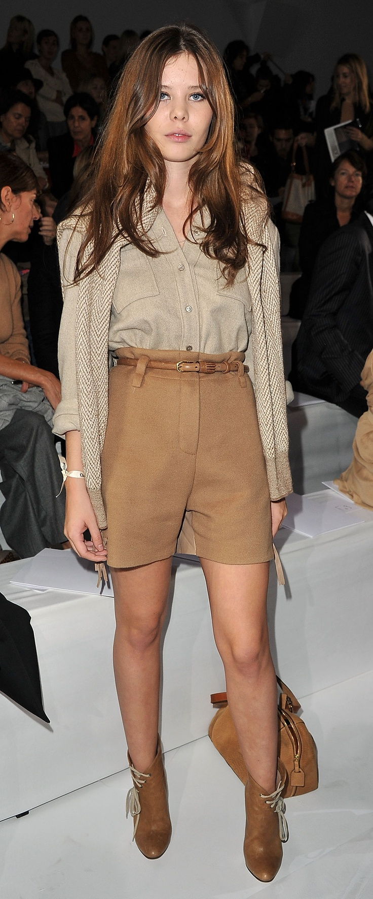 Wear winter shorts like Lou Lesage at #Paris #Fashion week -