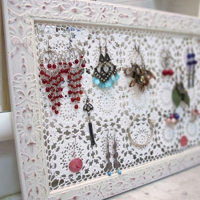 Katrinshine: tutorial - diy crochet + picture frame earring holder.