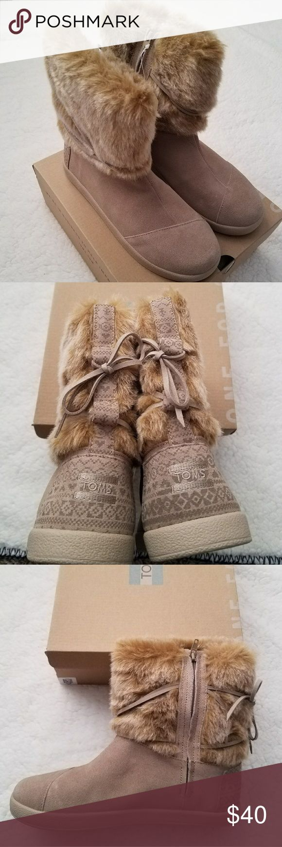 """TOMS Nepal youth boots TOMS Nepal suede faux fur boots  youth Size 5 Oxford tan  Zips up on sides Upper:Suede and faux fur Wrap around leather ties Lining:Faux shearling shaft; fabric foot Footbed:Fabric-covered Insole:Padded Sole:Treaded rubber Back Heel Height:Approx. 1/2""""H flat rubber sole unit Shaft:Approx. 7""""H with a 11"""" leg opening  New in box  retail $69 Toms Shoes Boots"""