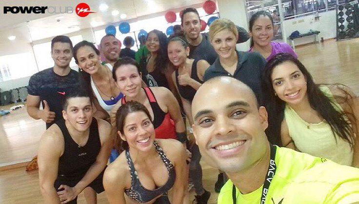 #Repost @deleonpersonaltrainer  Excelente grupo que me acompaño la mañana de hoy a mi nueva clase TODOS LOS DOMINGOS A LAS 11:00 AM EN @powerclubpanama #12deoctubre #Teamdeleon @puma.pa #puma #trainforpower #PumaPanama #foreverfaster #powerclub #panamacity #Venezuela #powerclubpanama #personaltrainer #fitness #crosstraining #crossfit #hiit #instafit #instafitness #yoentrenoenpowerclub #brasil #deleonpersonaltrainer  #Colombia #Chile #instachile
