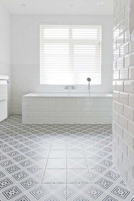 25 beste idee n over metro tegels badkamers op pinterest - Tegel patroon badkamer ...