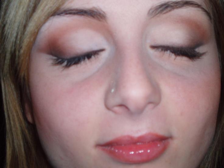 studio make up-fissa un appuntamento con la nostra make up Artist Alessandra per consigli su un nuovo Look 026705528
