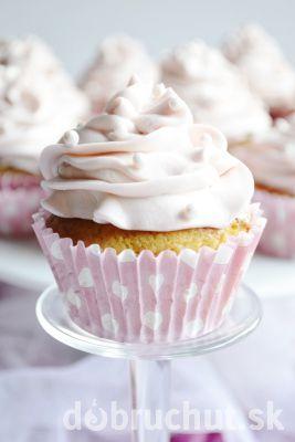 Fotorecept: Vanilkovo-citronové muffiny s jahodovým a bananovým mascarpone krémom