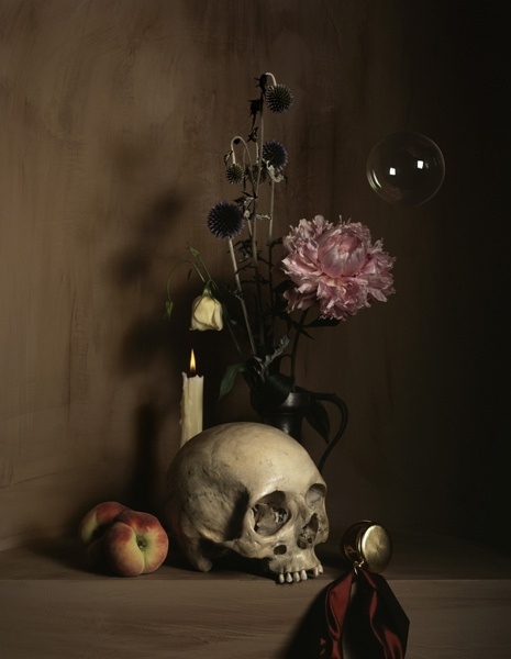 Vanitas vanitatum, omnia vanitas. (Vanity of vanities, all is vanity) Guido Mocafico, 2007