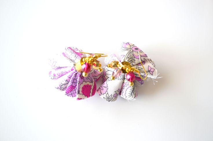 Boucles d'oreilles pompons pink lady. création faite main