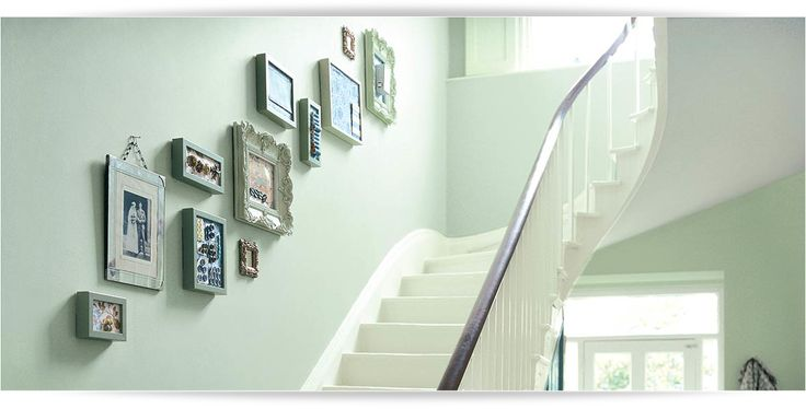 17 best images about hallway inspiration on pinterest - How to wallpaper stairs and landing ...