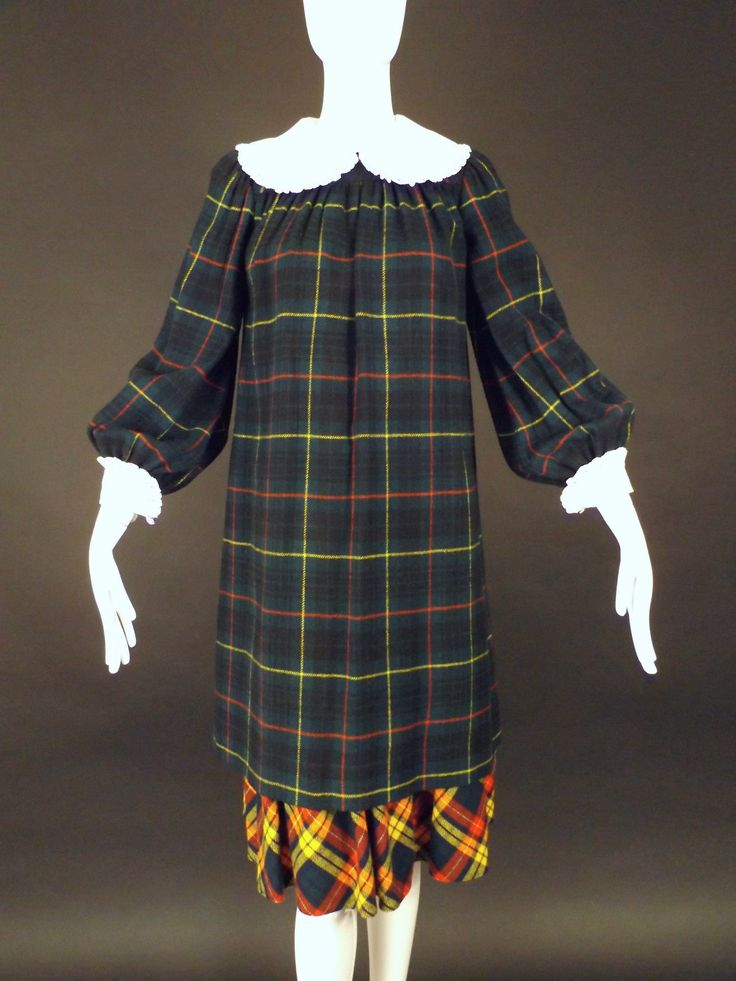 GINA FRATINI-1970s Wool Plaid Schoolgirl Dress, Size-6