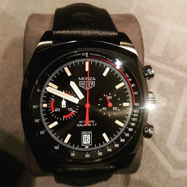 Re-edice hodinek Monza z roku 1976. Hodinky upomínají na Nikiho Laudu a jeho zisk titulu mistra světa. Více než povedená re-edice #tagheuer #tagheuermonza #dontcrackunderpressure #swisswatch #swissmade #baselworld2016
