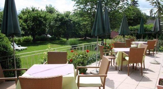 Hotel Rosanna - 3 Star #Hotel - $86 - #Hotels #Austria #VeldenamWörthersee http://www.justigo.com.au/hotels/austria/velden-am-worthersee/rosanna_45934.html