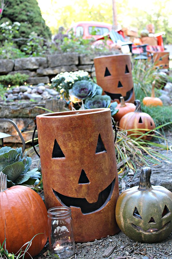 Outdoor fall harvest party ideas with a classic style for Home depot halloween decorations