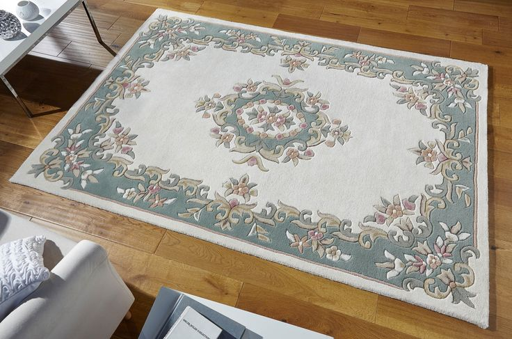Ultimate Traditional Rug_ this Royal Cream Green Rug is an awesome floor element for any decor.  #royalrugs #luxuryrugs #largerugs #traditionalrugs #handtuftedrugs #woolrugs