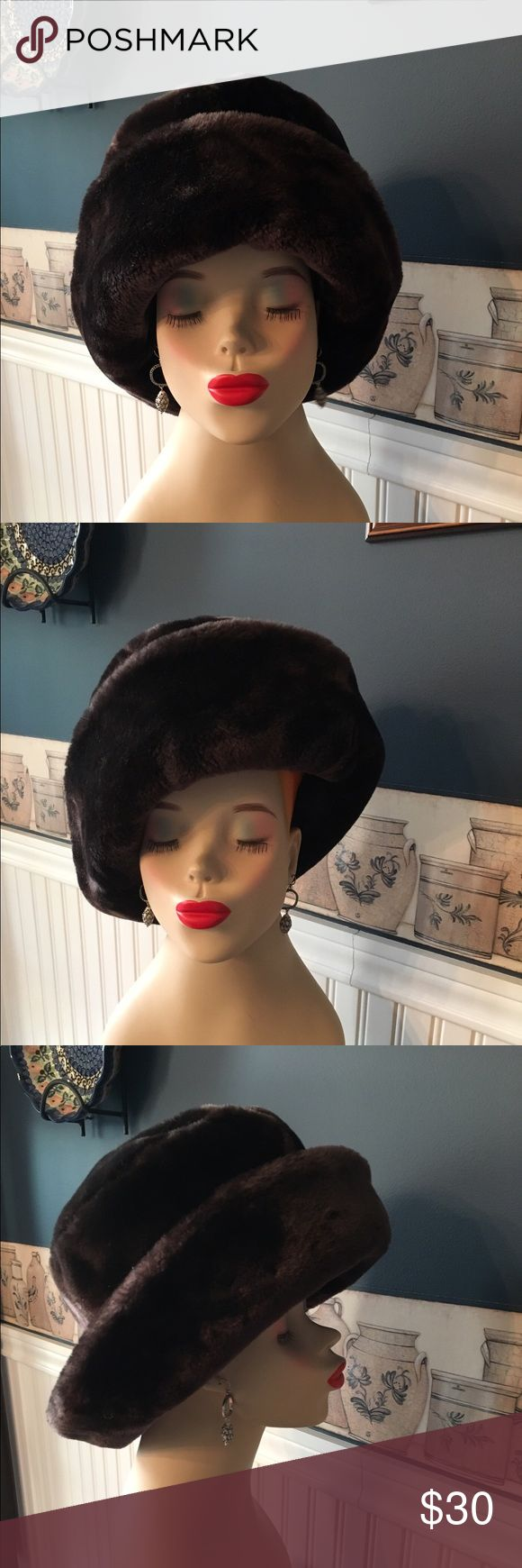 Betmar New York Faux Fur Hat Beautiful Betmar Faux fur hat in pristine condition. Can be worn in multiple ways . Betmar New York Accessories Hats