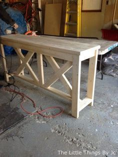 DIY Furniture Plans & Tutorials : diy rustic console table diy painted furniture rustic furniture woodworking #diyfurniture #furnitureplans