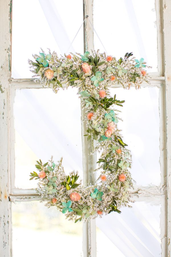 Beautiful floral letter for wedding decor | Wedding Chicks
