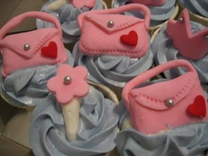 more purse themed cupcakes