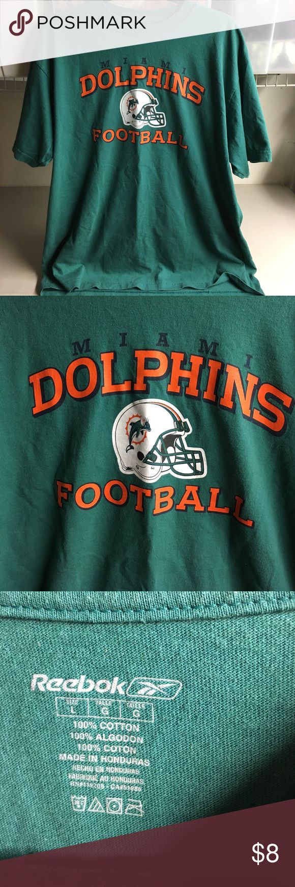 Miami Dolphins T Shirt NFL men's Large Grab it up Dolphin fans !!!! Men's size Large Reebok Shirts Tees - Short Sleeve
