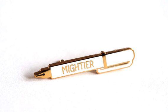 Machtiger Pen glazuur Pin Badge revers speld vier kleuren