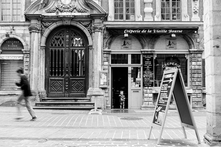 L'enfant, le passant et la façade  Lille 2014 @Xavier Dumont