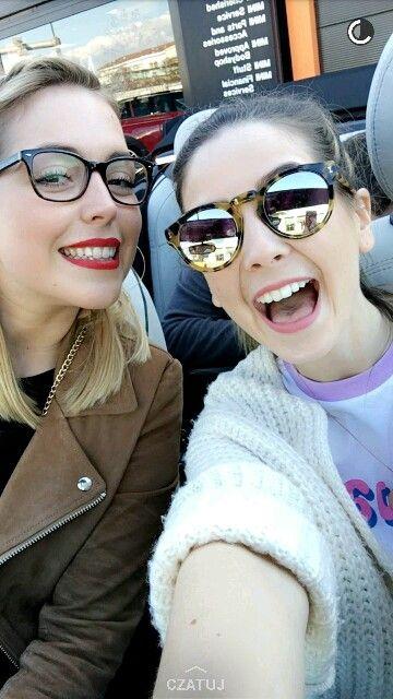 Poppy Deyes and Zoella <3
