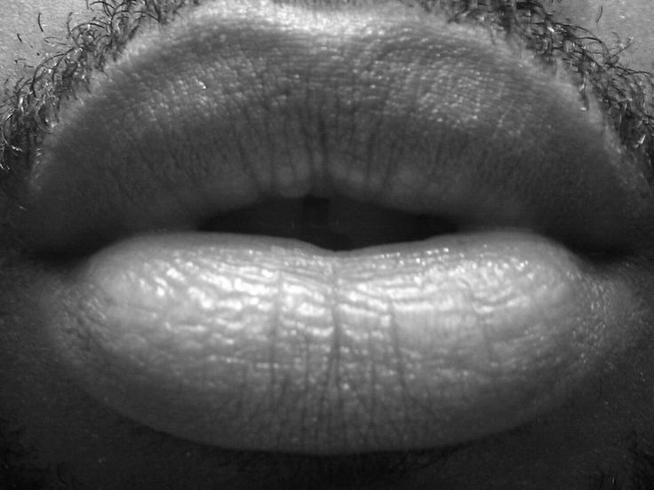 Black men have beautiful lips. Soooo kissable.