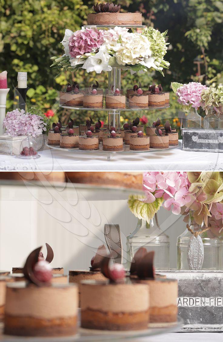 #BunBun #candybar #flowers #love #wedding #sweets #sweetlove #cakes #senneville #weddingthemes #love