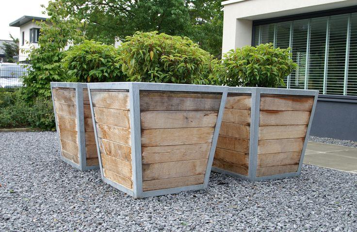 Stoere robuuste plantenbakken gemaakt van eikenhout met verzinkt staal