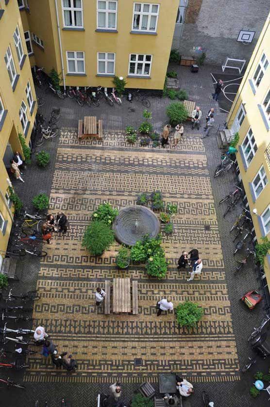 Courtyard paving. Location: Classensgade 27, Copenhagen, Denmark. Design by 1:1 Landskab