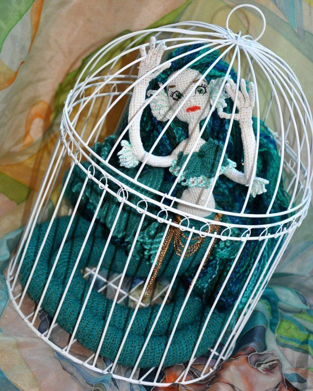 Фотографий с ней я показывала очень много, а этой фотки не выкладывала.  #weamiguru #хобби #хендмейд #рукоделие #вязание #вязаное #вязаниекрючком #doll #вязаныеигрушки #вязаныекуклы #amigurumidoll #amigurumi #crochet #knitting #faurik #амигуруми #gurumigram #handmadedolls #artdolls #craft #crochettoy#dolls