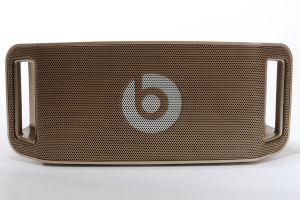 Beats by Dr. Dre Beatbox Portable Haut Parleur Sans Fil - Gold-€279.98 Conçue en collaboration avec Dr. Dre, l' enceinte nomade Beatbox Portable de Beats diffuse vos musiques avec un rendu sonore étonnant pour une enceinte compacte, en 40 W RMS , avec un haut-parleur... http://www.casque-pascher.fr/beats-by-dr-dre-beatbox-portable-haut-parleur-sans-fil-gold.html