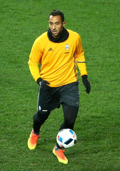 Medhi Benatia of Juventus controls the ball during a Juventus FC training session at AAMI Park on July 25, 2016 in Melbourne, Australia.