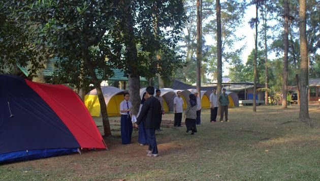 """Pengalaman Camping di Citra Alam Lakeside , Situ Gintung, Tangerang bisa jadi untuk kegiatan LDK teman-teman di Sekolah.  Cari tahu lokasi Citra Alam Lakeside di Google Maps dengan keyword """"Citra Alam Lakeside""""."""