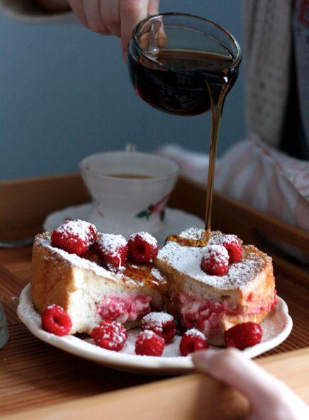 Raspberry Cream Cheese Stuffed French Toast - this looks amazing!!! #food #breakfast #raspberries