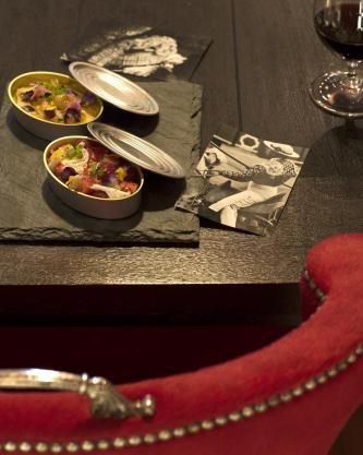 EAT: $$$ Rojo Y Blanca - Tapas