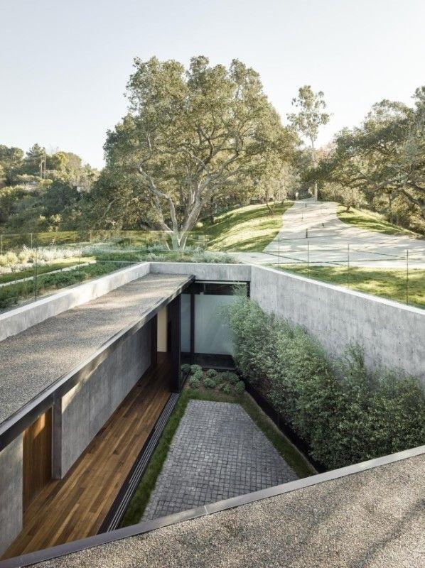 Wewnętrzne patio o surowym, nowoczesnym designie - zobacz jak zaprojektować dom z wewnętrznym dziedzińcem czyli patio - Oak Pass House u Pani Dyrektor! 28 odcinek z serii 'Wille marzeń' już na blogu!