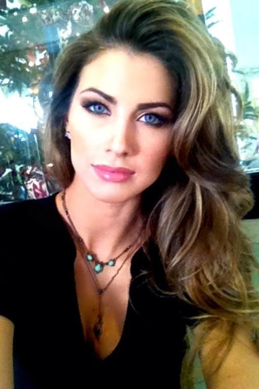 Katherine Webb. Pretty makeup