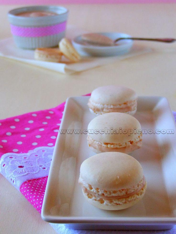 Macarons de morango - http://www.mytaste.pt/r/macarons-de-morango-14278496.html