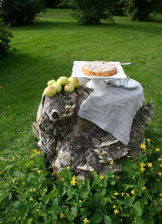 Global+Kitchen:+Apple+Cake+from+Apples+from+our+Swedish+Country+Garden