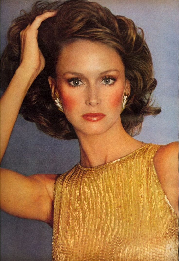Karen Graham, utterly beautiful and alluring model, but foremost an intelligent, no-nosense human being who once her modelling career was over, gave a new twist to her life.