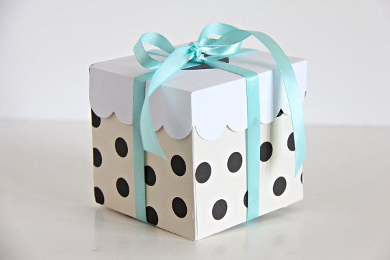 polka dot cupcake box