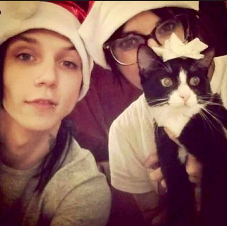 Andy and Juliet. Crow is so cute.---- This would be me, my future boyfriend, and our dog.