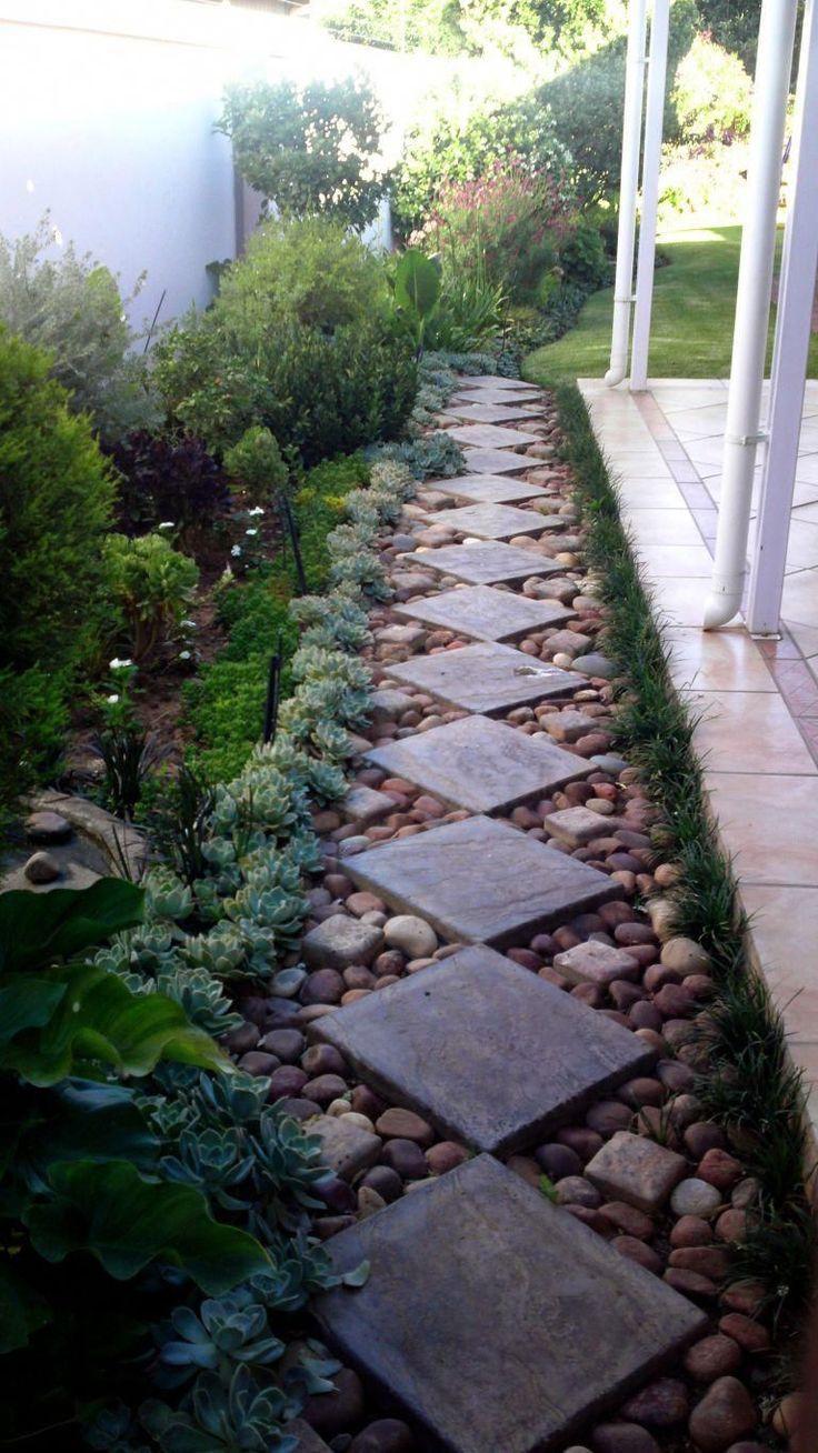 Ein Gut Durchdachter Und Kreativ Gestalteter Gartenweg Lasst Einen Garten Lebendig Werden Durchdacht Backyard Backyard Landscaping Designs Garden Pathway