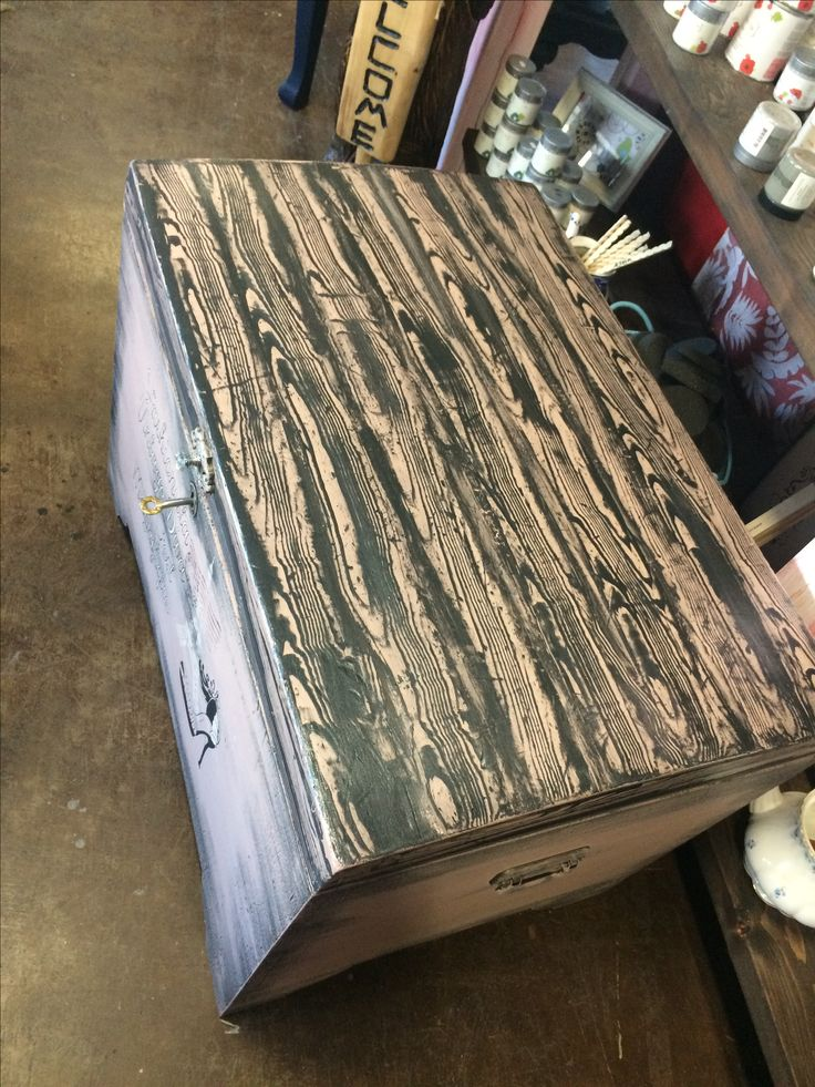 Love the look of the wood grain on this vintage trunk. Painted with Country Chic Paint. #tracystreasures02