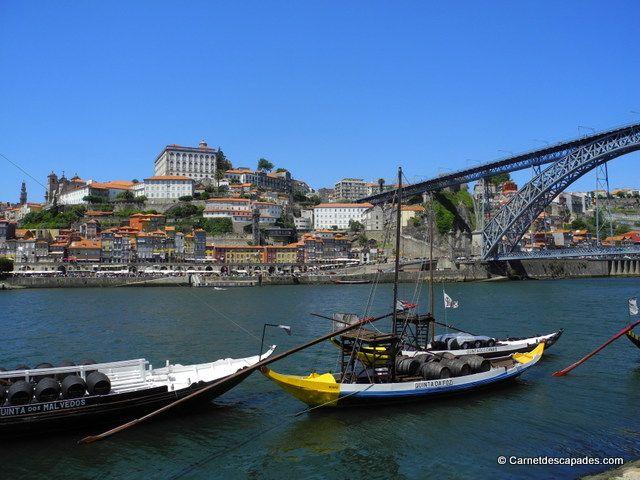Bateaux de Vila Nova de Gaia et vue sur #Porto #Portugal