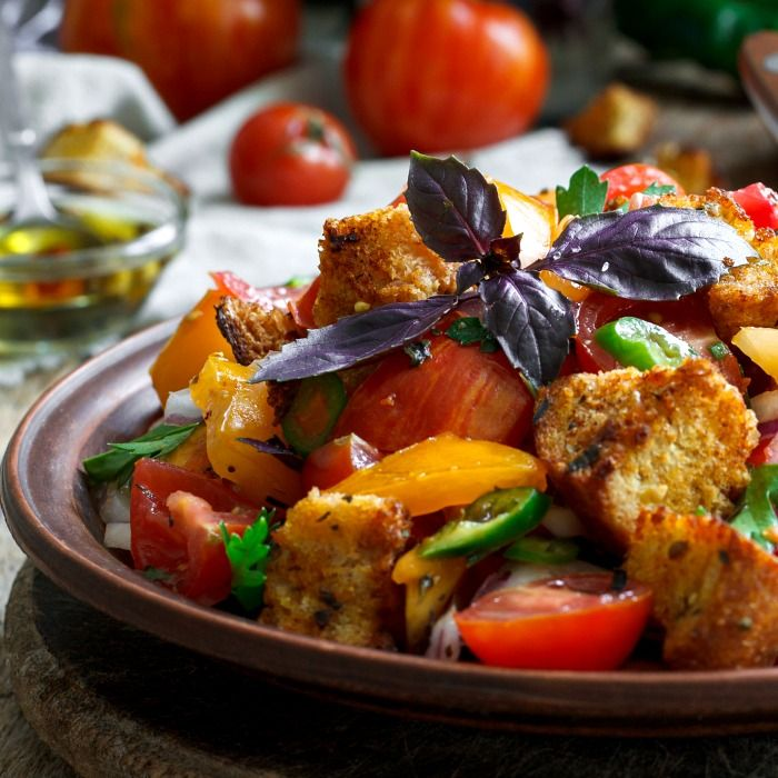 Panzanella Italian Bread Salad Classic Tuscan Dish Recipe Italian Bread Salad Bread Salad Italian Recipes