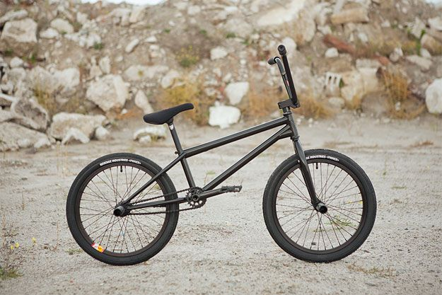 In 2012, S&M Bikes celebrated their 25th anniversary of manufacturing US-made BMX frames and components. Not a bad innings. Formed from the initials of Chris Moeller and Greg Swingrover, the company is responsible for bringing into reality some of the most iconic bikes the sport has seen, including the flatland Sabbath frame. The Intrikat is the latest iteration of that frame.